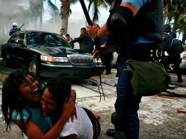 Policia de puerto rico mamando - 3 3