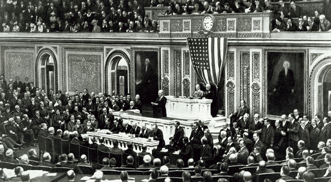 President Woodrow Wilson declaring war on Germany (1917).