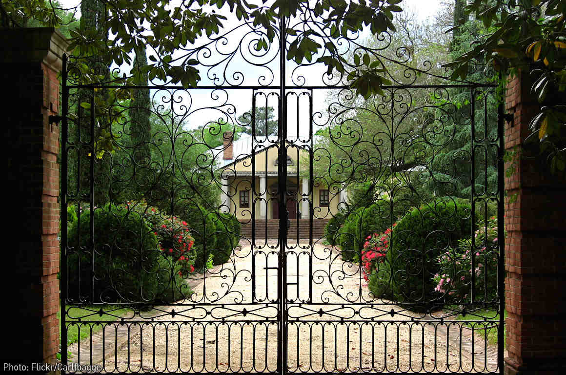 Gates - Photo: Carl F. Bagge on Flickr