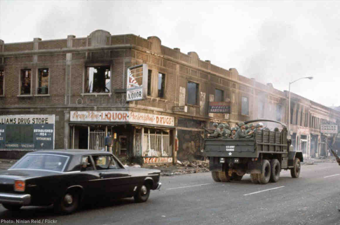 Troops in Detroit 1967