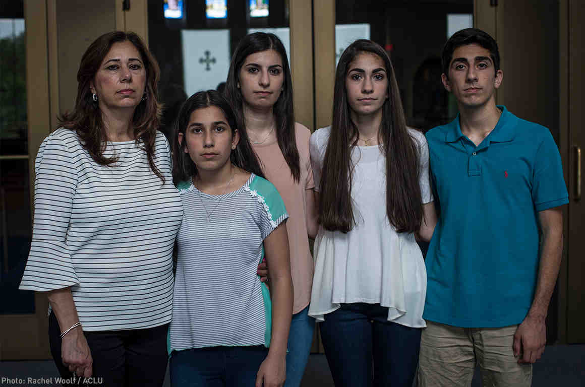 US judge halts deportation of hundreds of Iraqi nationals