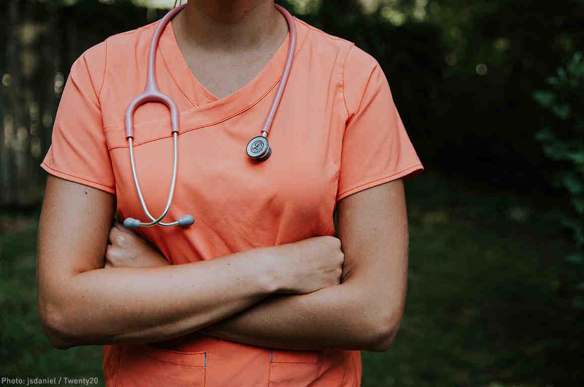 Doctor Peach Scrub