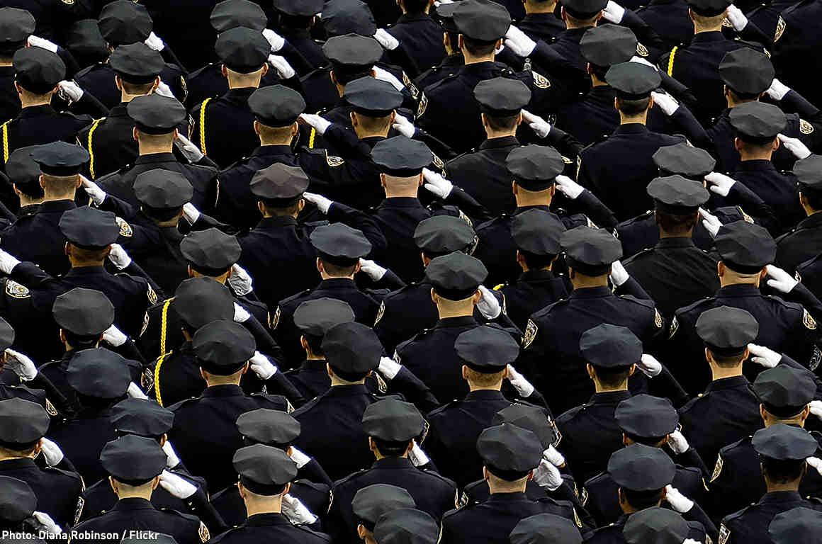 Police Sauting
