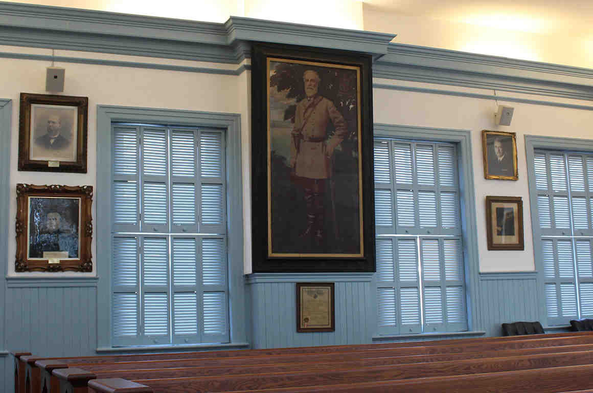 Robert E. Lee Portrait in Louisa County Courtroom