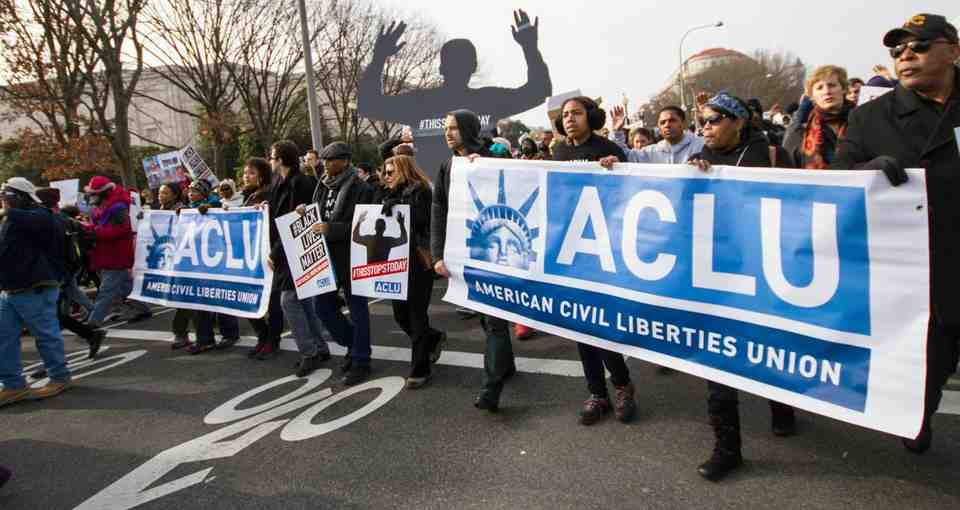 what does the american civil liberties union do